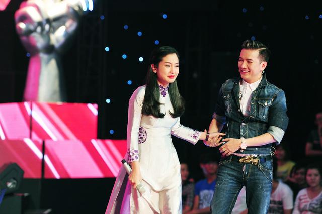 Nguyễn Thị Thu Hằng - một trong những thí sinh hiếm hoi lựa chọn dòng nhạc quê hương tham gia chương trình Giọng hát Việt