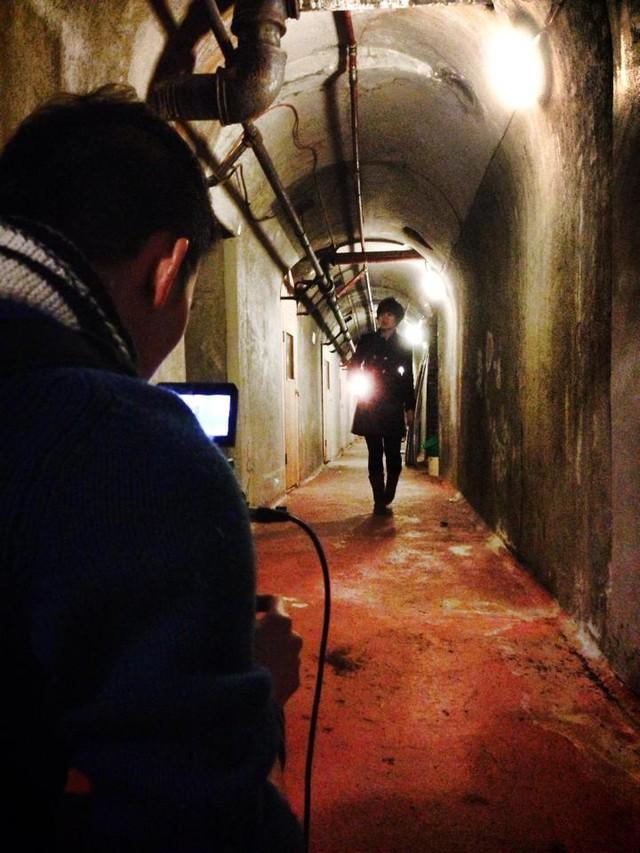Nhà báo Diễm Quỳnh thực hiện phóng sự tại Anh