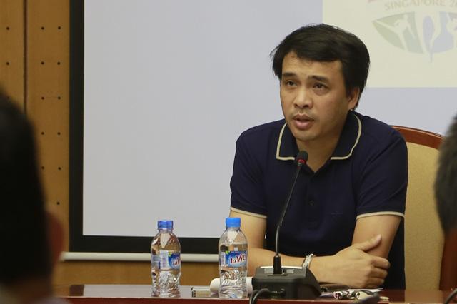 Nhà báo Phan Ngọc Tiến (ảnh) nhấn mạnh, để có thể gửi tới khán giả VTV một kỳ SEA Games trọn vẹn trên sóng truyền hình quốc gia, các đơn vị tham gia Đoàn công tác cần phải nỗ lực hết mình, phối hợp đồng nhất để cho ra sản phẩm hoàn thiện nhất.