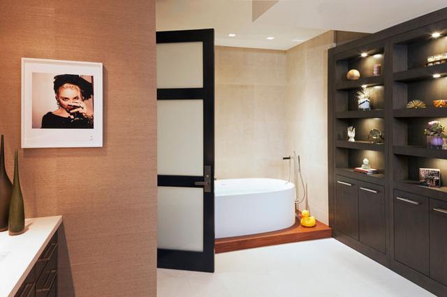 Phòng tắm ở đây được thiết kế đậm chất thanh lịch.