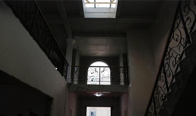 Đồ nội thất và ngoại thất của tòa nhà đều được làm từ vật liệu in đặc biệt