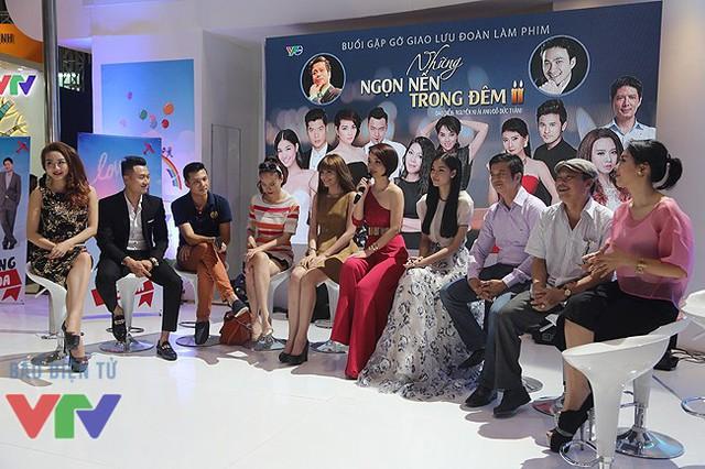Đoàn làm phim Những ngọn nến trong đêm phần 2. (Ảnh: VTV News)