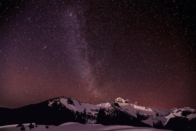 Dải Ngân Hà chụp ở hồ Elfin, Canada. Tác giả: Martin Giertl