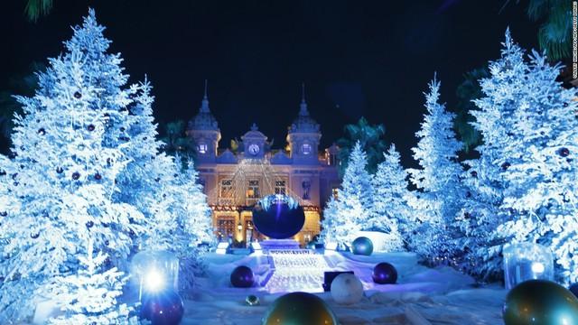 Không gian bên ngoài casino Monte-Carlo ở Monaco