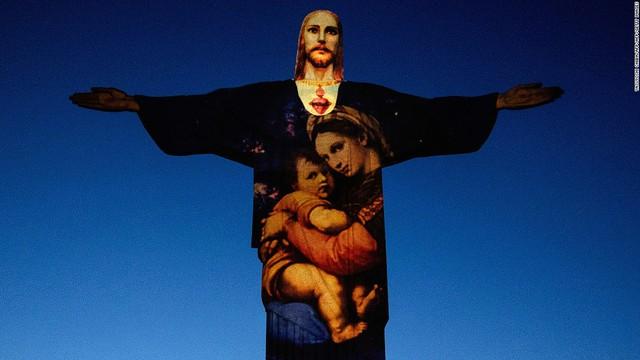 Tượng Chúa Kito Cứu thế ở Rio de Janeiro