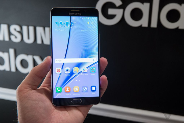 Galaxy Note 5 (Ảnh: The Verge)