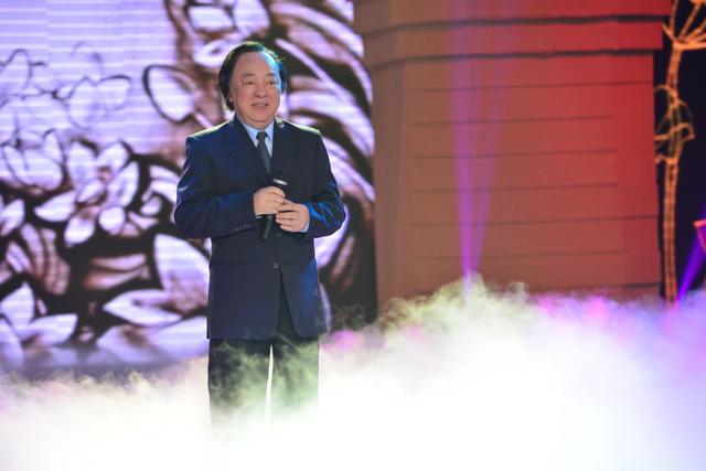 TS khoa học Đoàn Hương đã đánh giá đây còn là một trong những ca khúc hay nhất về Người, mở đầu bằng câu hò, nhưng tổng thể lại là nhạc giao hưởng.
