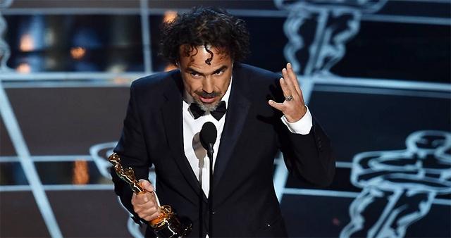 Đạo diễn Alejandro Gonzalez Inarritu nhận giải Đạo diễn xuất sắc cho phần chỉ đạo của ông trong Birdman.