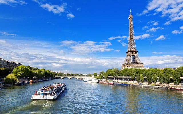 Thủ đô Paris là một trong những thành phố lãng mạn nhất thế giới. Ảnh: AP/FOTOLIA