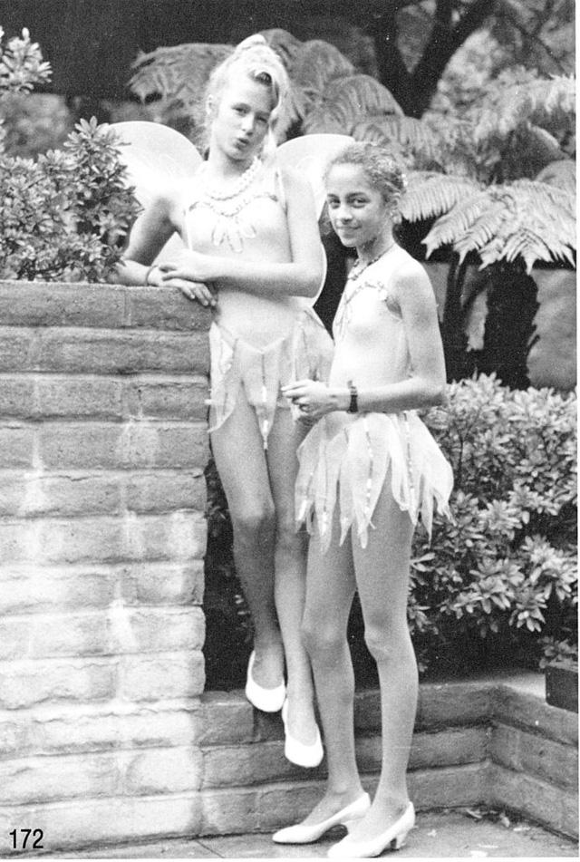 Paris Hilton và cô bạn thân Nicole Richie khoe thân hình cò hương trong trang phục ballet