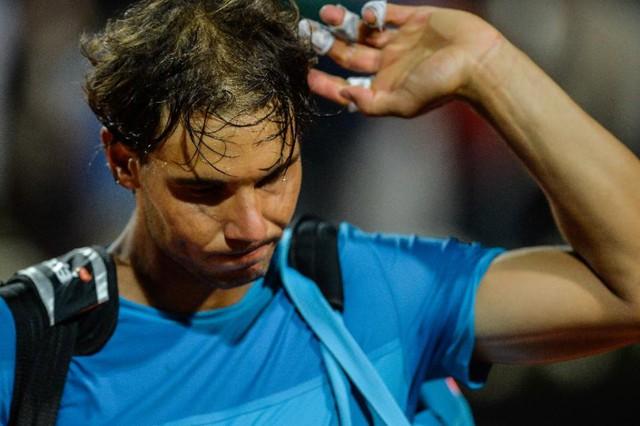 Nadal liên tiếp thất bại trên mặt sân đất nện mùa giải năm nay.