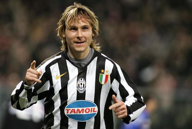 Neved cực kỳ trung thành với Juventus kể cả khi CLB này xuống hạng. Với tài năng của mình, Nedved dư sức chơi ở mọi CLB hàng đầu châu Âu khác nhưng anh ấy đã không rời đi.