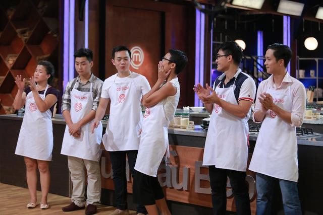 Phạm Tuyết vui sướng vì có món ngon nhất trong thử thách thứ 2.