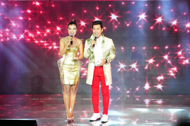 Hai MC Hoàng Oanh và Nguyên Khang