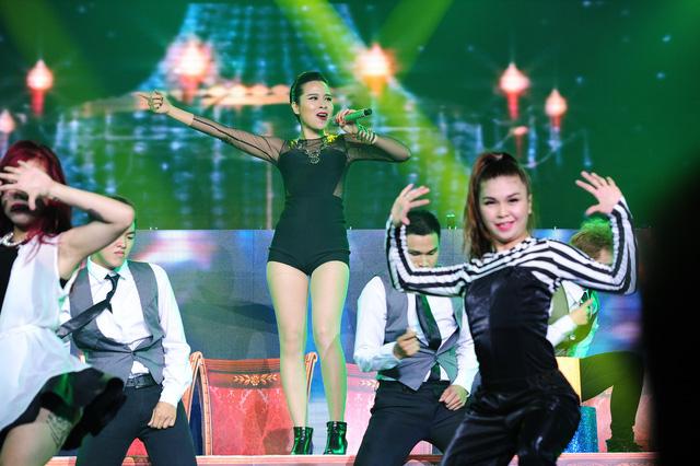 Lưu Hương Giang thể hiện sôi động bài hát Get High – đây là một trong những sáng tác mới nhất của cô