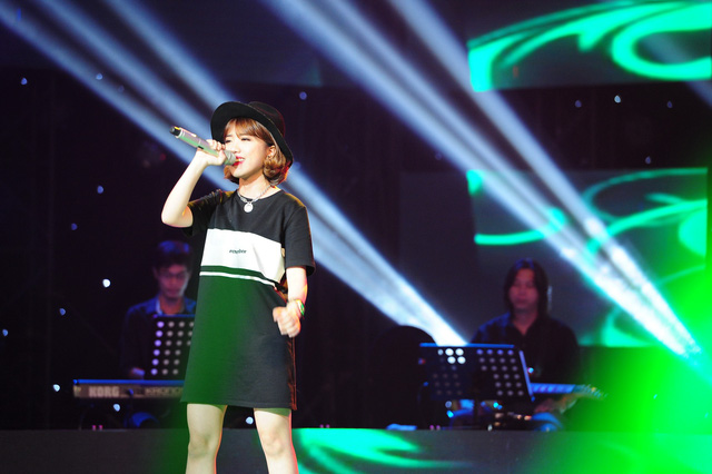 Cô gái hạt tiêu Phùng Khánh Linh đã khiến 4 HLV nảy sinh một cuộc tranh giành gay cấn