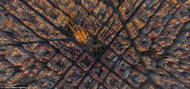 Nhà thờ Sagrada Familia tại thành phố Barcelona