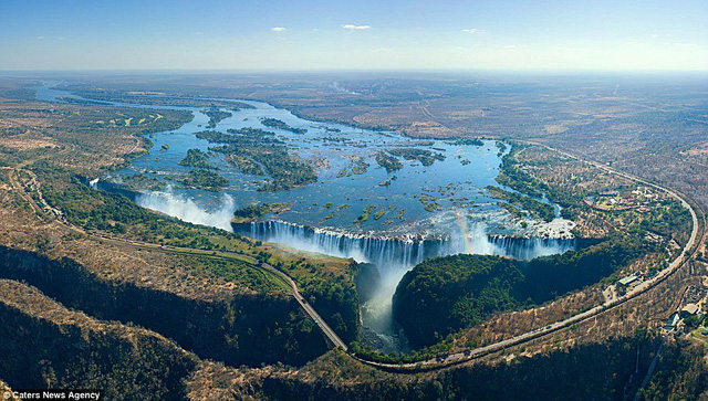 Thác nước Victoria tại Zambia