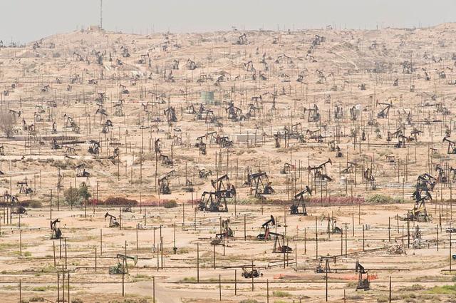 Khu vực dầu mỏ Ken River ở California bị khai thác triệt để từ năm 1899.