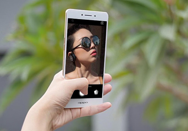 """Selfie ấn tượng với """"màn hình flash"""" độc đáo cùng OPPO R7s"""
