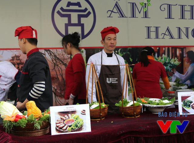 Các gian hàng ẩm thực đều được trình bày bắt mắt với những hình ảnh quen thuộc gắn liền với văn hóa mỗi nước.