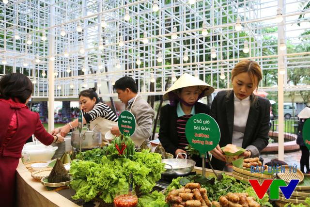 Văn hóa của mỗi nước Đông Nam Á còn được thể hiện rõ qua ẩm thực.