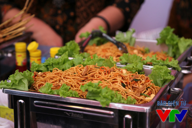 Phần lớn các món ăn ở Liên hoan đều là những món dân dã và quen thuộc của các nước Đông Nam Á.