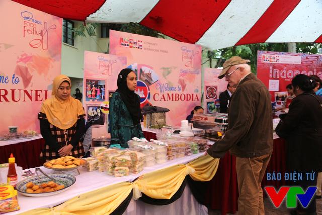 Trong đó có cả những người nước ngoài muốn khám phá thêm về ẩm thực, văn hóa Đông Nam Á.