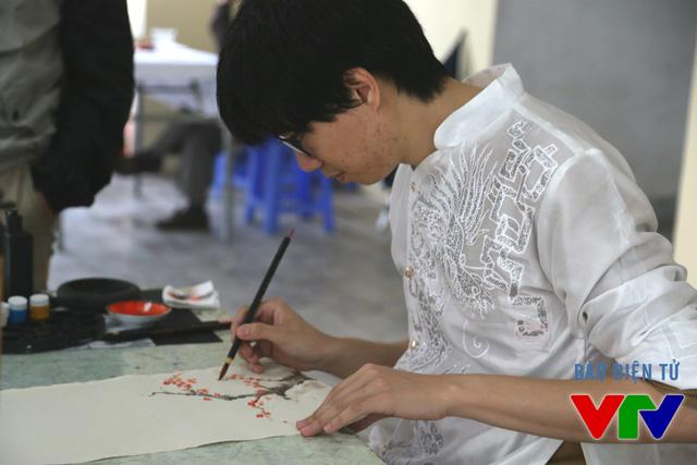 Hay khám phá thêm về nghệ thuật hội họa, thư pháp.