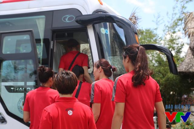 Từ khách sạn tới nhà thi đấu đa năng tỉnh Bạc Liêu khoảng 3 km, đường khá dễ đi.