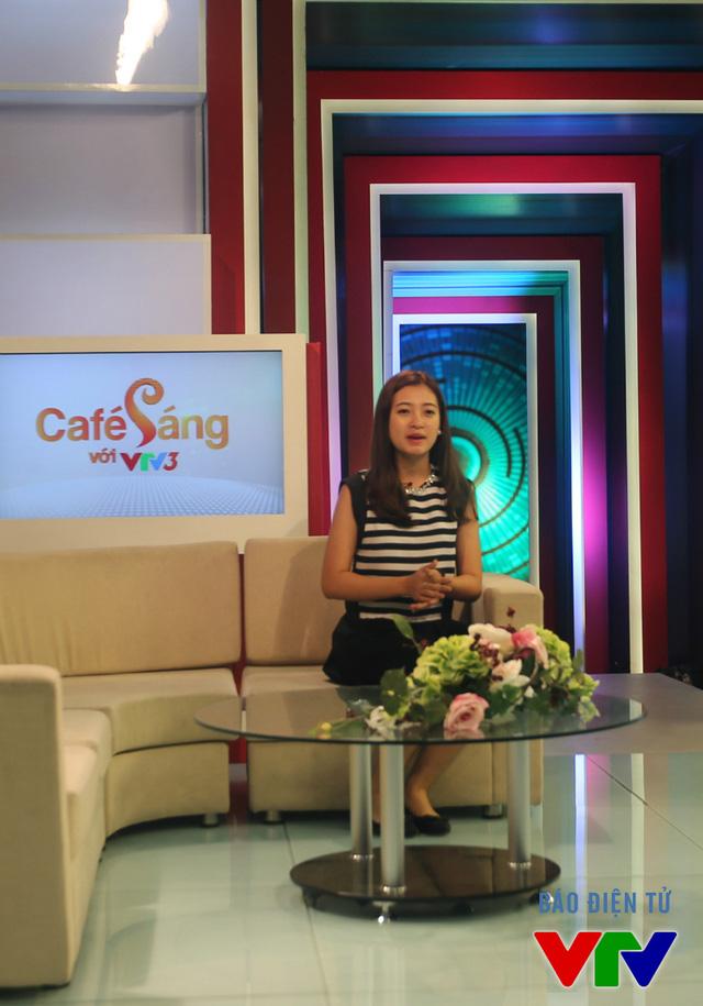 Thí sinh Cầu vồng đổ bộ dự tuyển MC Café Sáng - Ảnh 2.