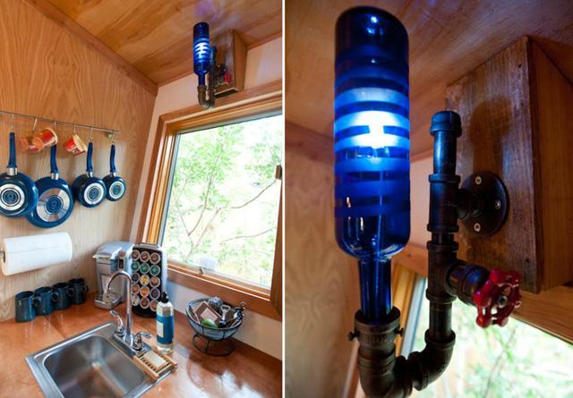 Đèn bếp độc đáo được làm từ ống nước.