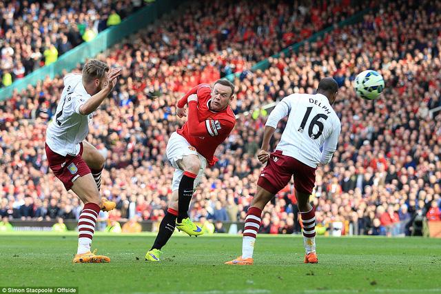 Pha vô-lê đẹp mắt ghi bàn đẳng cấp của Rooney.