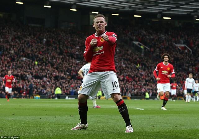 Dường như vẫn còn phấn khích sau màn độc diễn hoàn hảo, Rooney sáng chế ra màn ăn mừng mới.