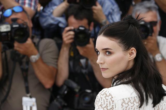 Rooney Mara thường có mặt ở những dự án phim nặng ký.