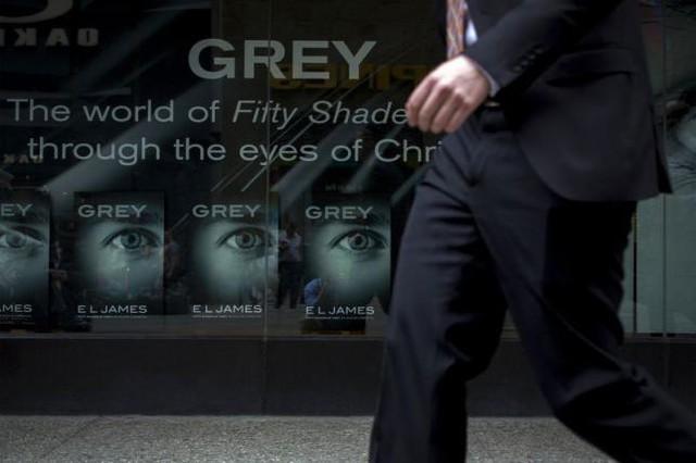 Cuốn sách Grey được bán ở New York (Ảnh: Reuter)