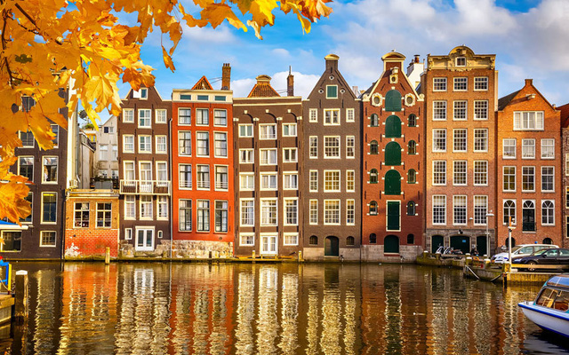 Không chỉ đẹp như tranh thành phố Amsterdam của Hà Lan còn rất an toàn cho du khách.
