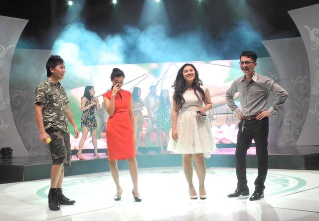 Bốn nghệ sĩ Minh Vương, Cẩm Tú, Bảo Trâm và Khắc Hiếu sẽ thể hiện ca khúc Cuộc sống muôn màu và Sống như những đóa hoa.