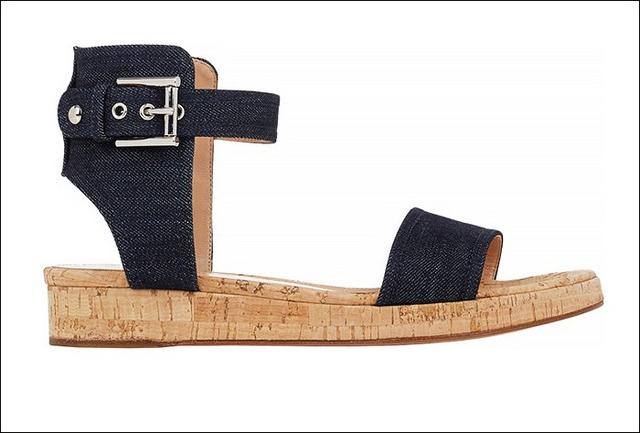Gianvito Rossi ra mắt mẫu sandals mới với chất liệu da và denim