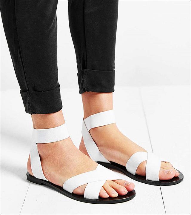 Sandals thanh lịch nhưng năng động của Silence + Noise