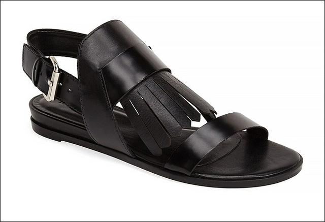 Còn Pour la Victoire ra mắt sandals da mang chút phong cách hippie kết hợp với cổ điển