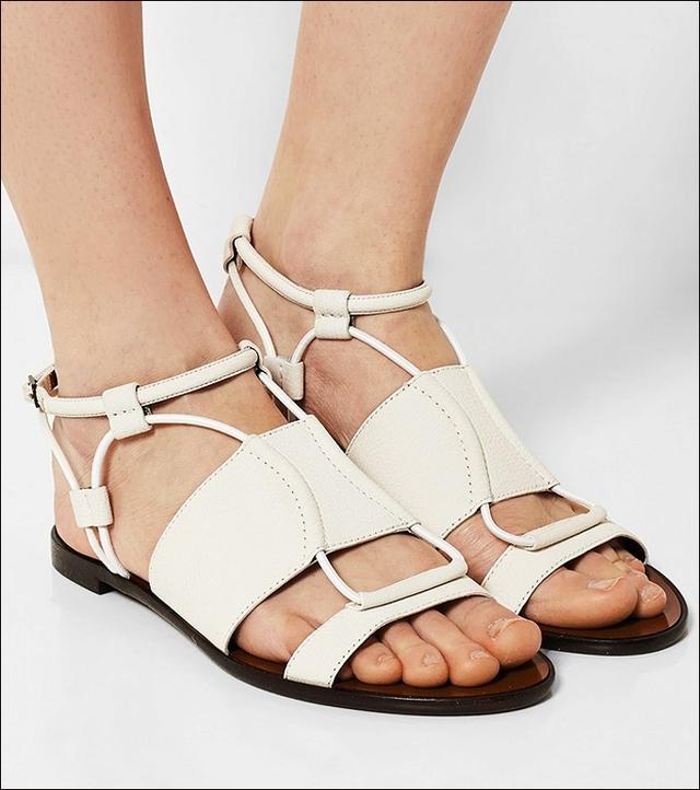 Mẫu sandals màu trắng kem của Lanvin