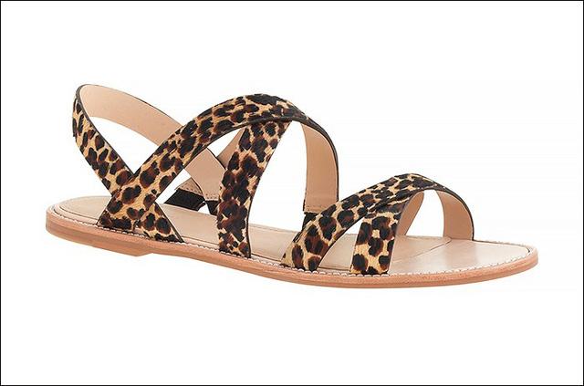 Sandals màu da báo của Mackenzie