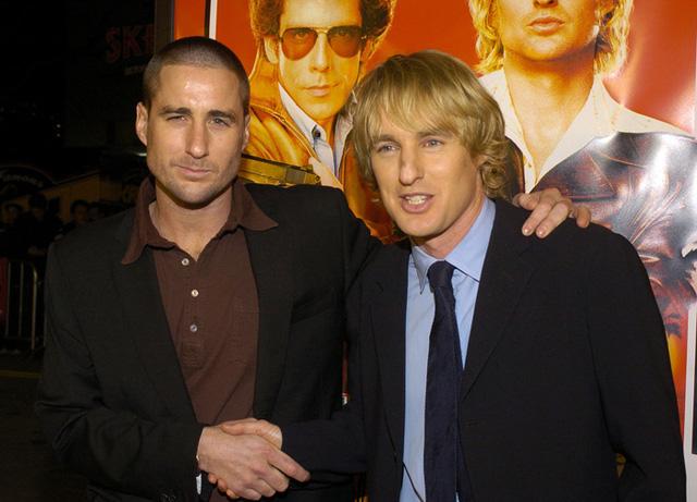 Owen và Luke Wilson thể hiện tình cảm anh em trong buổi ra mắt bộ phim Starsky and Hutch.