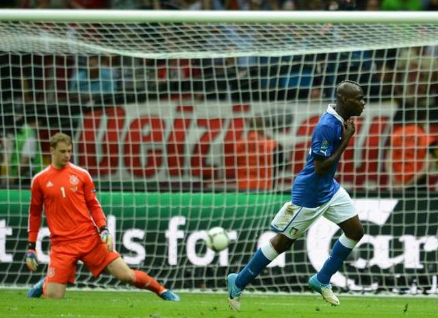 ĐKVĐ thế giới - ĐTQG Đức chưa từng thắng Italy tại World Cup và Euro. Ở 7 cuộc đối đầu, Azzurri bỏ túi 4 chiến thắng, 3 trận còn lại kết thúc với những kết quả hòa.