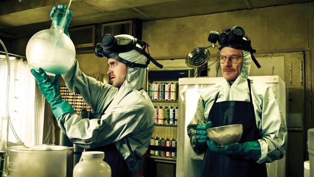 Serie truyền hình ăn khách Breaking Bad đã kịp lên sóng (20/1/2008) và kết thúc (29/9/2013)