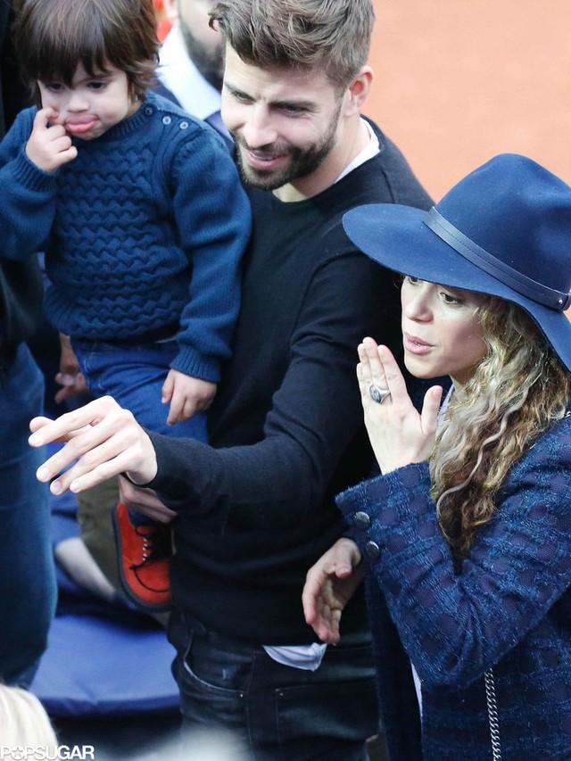 Gia đình hạnh phúc của danh thủ Pique và nữ ca sĩ khiến bất kỳ ai nhìn thấy cũng ngưỡng mộ.