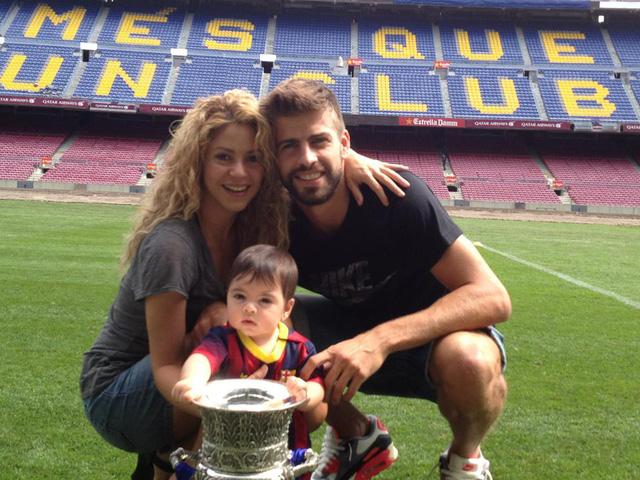 Cặp đôi và cậu con trai đầu tiên - bé Milan.