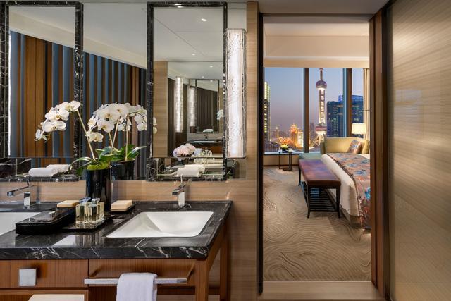 Phòng Suite ở khách sạn Mandarin Oriental Pudong, Thượng Hải, Trung Quốc