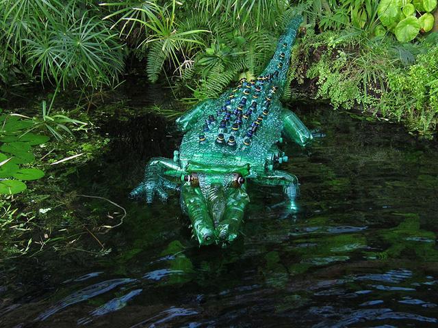 Bạn chắc hẳn sẽ giật mình nếu gặp phải một chú cá sấu như thật.
